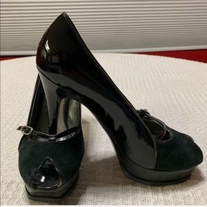 GUESS by MARCIANO black leather peeptoe high heels